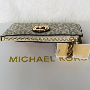 cee1b3cf04ead5 MICHAEL Michael Kors Accessories - Michael Kors Fulton SM Coinpouch With ID  Key Ring